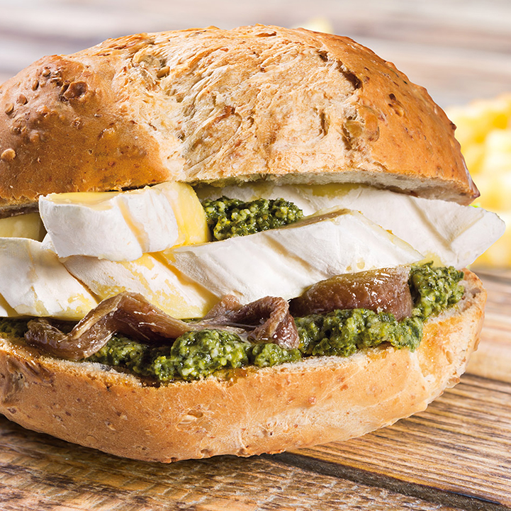 "Piedmontese sandwich with Tomino and anchovies ""al verde"""
